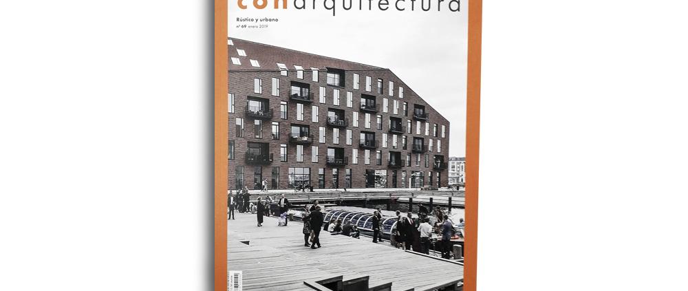"""CON Arquitectura, Nº 69. Rústico y Urbano. """"Casa de Campo en Las Herencias"""". (España). pp. 48-53. (Ene_2019)."""