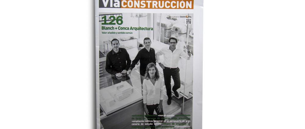"""VÍA CONSTRUCCIÓN. Nº 126. """"Varios proyectos de OOIIO"""". (España). pp 34-35. (Sep_2015)."""